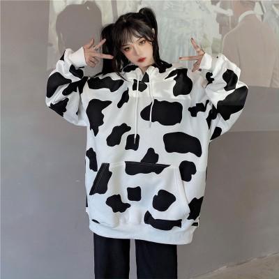 日本は古着の乳牛のプリントの中隊の帽子のカバーのヘッドガードの服の2020秋の薄いタイプの女子学生のものぐさな風の上着を結びます。