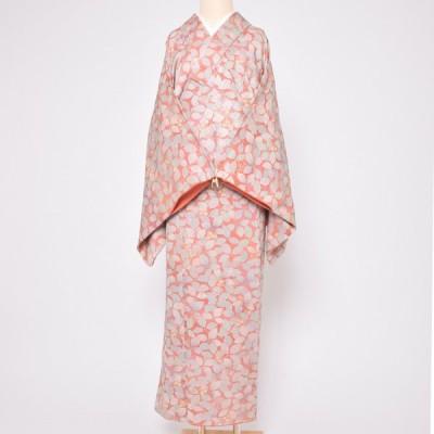(中古品)仕立て上がり 袷着物 「浅いピンク地に葉桜」 小紋 正絹 (メール便不可)