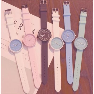 女子学生を見る 腕時計 女性の時計 ゼリーテーブルシリコンキャンディーカラーかわいいソフトの韓国語版