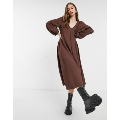 エイソス レディース ワンピース トップス ASOS DESIGN textured smock midi dress with V-neck in chocolate brown