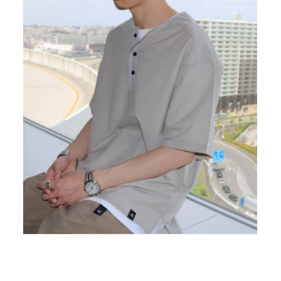 AIR TROUGH HENRY TEE ヘンリーネックTシャツ ※ジメジメした季節に最適!通気性◎、軽量◎、ストレッチ性◎の機能素材を使用