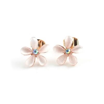 (cream dot/クリームドット)美しい桜モチーフで、女性らしい柔らかな印象に。桜モチーフピアス/レディース ピンク