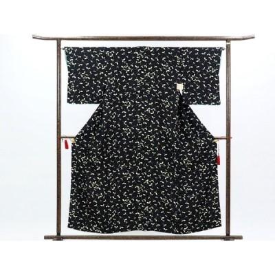 リサイクル着物 小紋 正絹黒地木の葉柄袷小紋着物