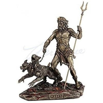 インテリア ケルベロス像を持つスタッフを保持している冥王ハーデス