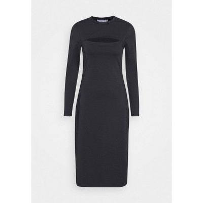ヌー イン ワンピース レディース トップス STEFANIE GIESINGER CUT OUT MOCK NECK MIDI DRESS - Shift dress - black