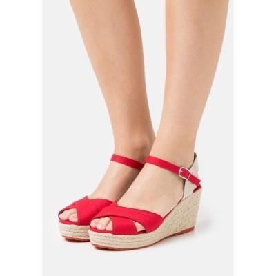トムテイラー サンダル レディース シューズ Platform sandals - red