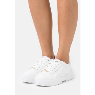 バッファロー レディース 靴 シューズ Trainers - white