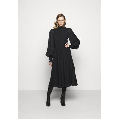 ヴィクトリア ベッカム ワンピース レディース トップス LONG SLEEVE SMOCKED MIDI - Day dress - black