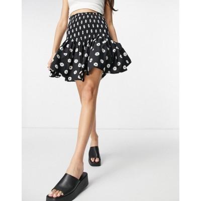 ニュールック New Look レディース ミニスカート スカート Shirred Mini Skirt In Embroidered Daisy Pattern ブラックパターン
