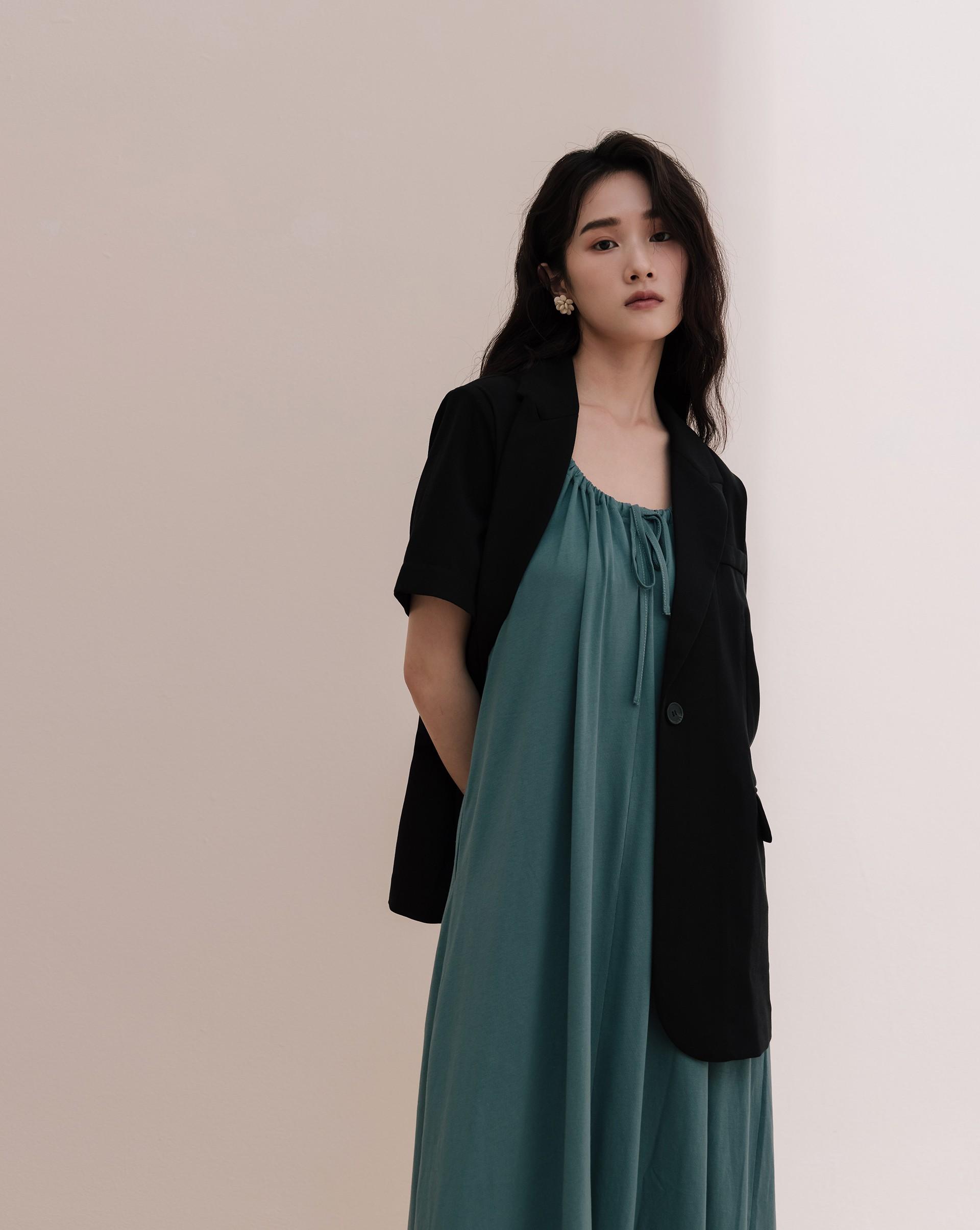 高質感短袖西裝外套-Meierq