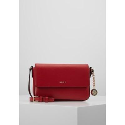 ダナ キャラン ニューヨーク レディース ショルダーバッグ バッグ BRYANT FLAP CBODY SUTTON - Across body bag - bright red bright red