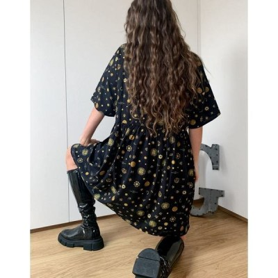 ノイジーメイ レディース ワンピース トップス Noisy May shirt dress with zodiac print in black Camel/black combo