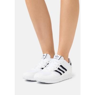アディダス レディース 靴 シューズ SPECIAL 21 W - Trainers - footwear white/core black