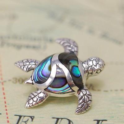 アバロンタートルペンダントトップ 南洋を泳ぐ海亀がキュート グリーンとブルーが美しいアワビ貝は大人カラー