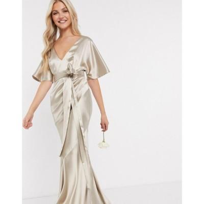 エイソス ASOS DESIGN レディース ワンピース マキシ丈 Bridesmaid Satin Kimono Sleeve Maxi Dress With Panelled Skirt And Belt In Oyster ライトピンク