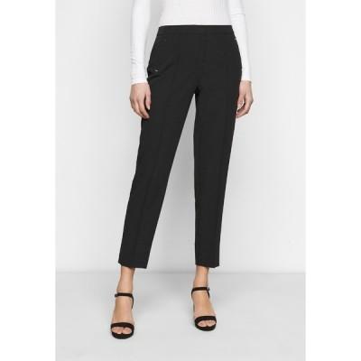 ドロシー パーキンス カジュアルパンツ レディース ボトムス UPSPEC ANKLE GRAZER WITH ELASTIC BACK - Trousers - black