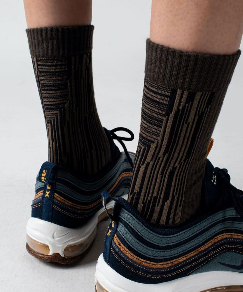 橄綠 - LANDING 中高筒休閒襪