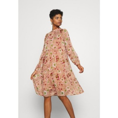 ヴェロモーダ レディース ドレス VMCILLE DRESS - Day dress - auburn/cille