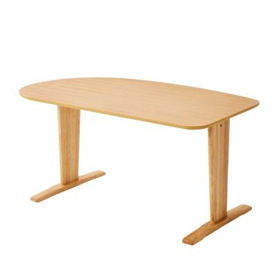 オーク材の出入りがしやすいダイニングテーブル