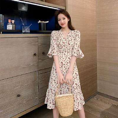 夏の装いの2021新型V襟の小花のシフォンのワンピースは甘くて腰のラッパの袖のハスの葉の辺の中で長いスカートを収めます。