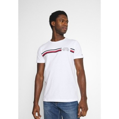 トミー ヒルフィガー Tシャツ メンズ トップス CORP SPLIT TEE - Print T-shirt - white