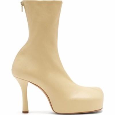 ボッテガ ヴェネタ Bottega Veneta レディース ブーツ スクエアトゥ シューズ・靴 BV Bold square-toe leather platform boots Beige