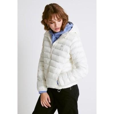 リーバイス ジャケット&ブルゾン レディース アウター PACKABLE JACKET - Light jacket - tofu