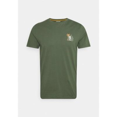 リディファイン レベル Tシャツ メンズ トップス RYDER TEE UNISEX - Print T-shirt - thyme