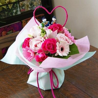 ひな祭り ひなまつり 桃の節句 お雛さまピック付き 花瓶のいらない花束 ブーケ 花瓶のいらない花束 送料無料<ピンク