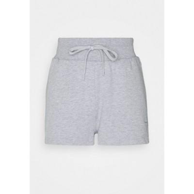 ゲス カジュアルパンツ レディース ボトムス SHORTS - Sports shorts - light melange grey