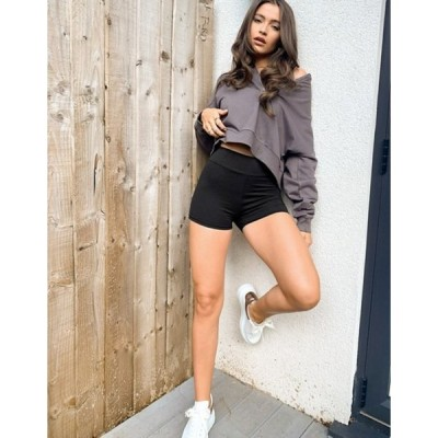 アウトレイジャスフォーチュン レディース ハーフパンツ・ショーツ ボトムス Outrageous Fortune loungewear booty shorts in black