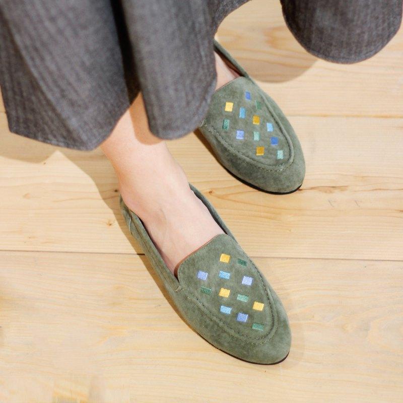 刺繡樂福平底鞋- 磚牆間/可可綠
