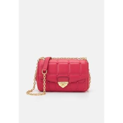 マイケルコース ハンドバッグ レディース バッグ SOHO CHAIN - Handbag - red
