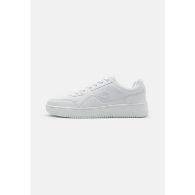 チャンピオン メンズ スポーツ用品 LOW CUT SHOE REBOUND - Basketball shoes - white