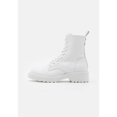 スティーブ マデン レディース ブーツ&レインブーツ シューズ TORNADO - Lace-up ankle boots - white white
