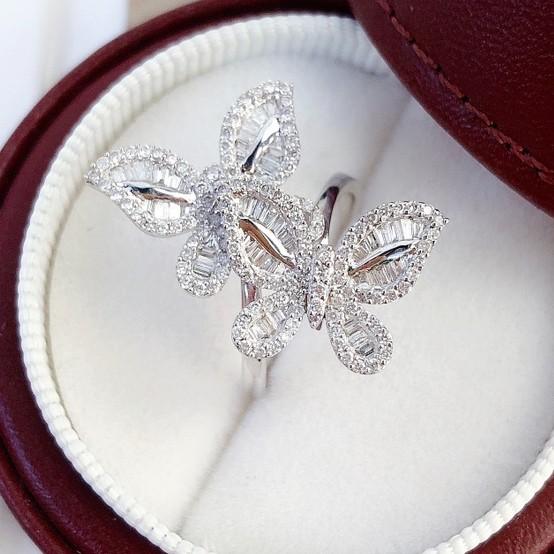 璽朵珠寶 [ 18K金 蝴蝶 鑽石 戒指 ] 微鑲工藝 精品設計 鑽石耳環 鑽石權威 婚戒顧問 婚戒第一品牌 GIA