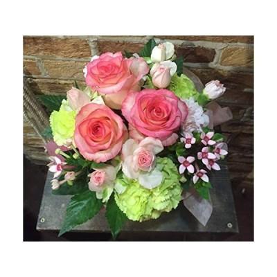 【ヴェリィヴェリィ】大きなバラ3本と季節の おまかせカラー ピンク、赤系 生花 アレンジメント プレゼントにはちょうど良いボリューム ama