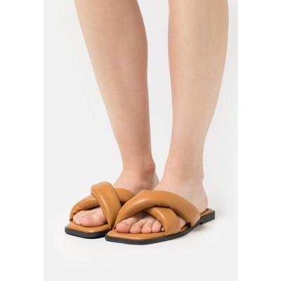 サウスビーチ レディース 靴 シューズ PADDED CROSS STRAP SLIDE - Mules - camel
