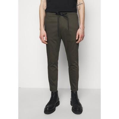 ドライコーン カジュアルパンツ メンズ ボトムス JEGER - Trousers - mottled olive