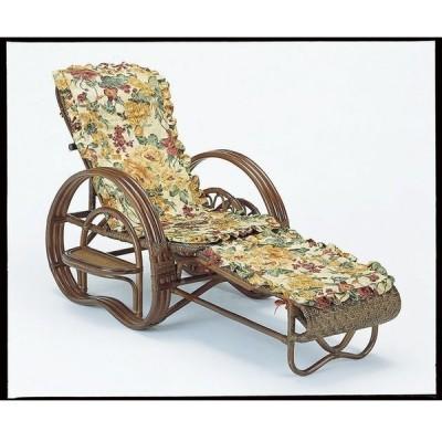 夏の暮らしに加えたい、涼を呼ぶ軽やかな素材感。 籐三ツ折寝椅子 ダークブラウン色タイプ ファブリックカバー付
