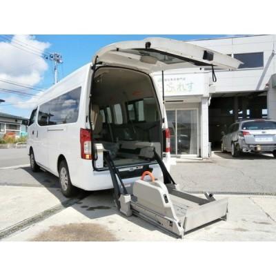 NV350キャラバン 4ドアバン2.5DTチェアキャブD仕様 4WD 車いす4名乗車 バックモニター