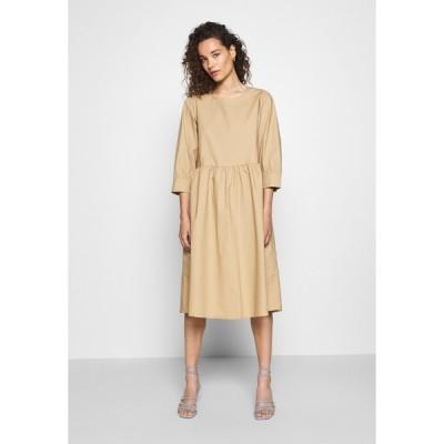モス コペンハーゲン ワンピース レディース トップス MINORA 3/4 DRESS - Day dress - travetine
