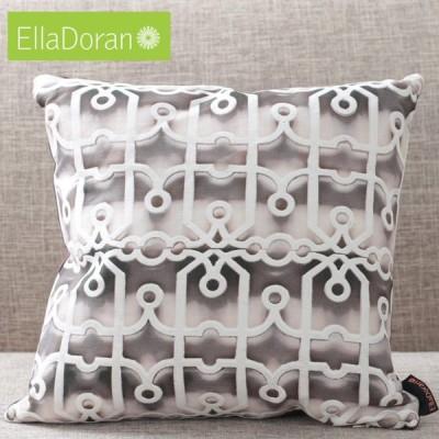 エラドラン Ella Doran 英国製 クッション UK デザイナー Made in UK Gridlock フレットワーク 透かし彫り 40cm×40cm