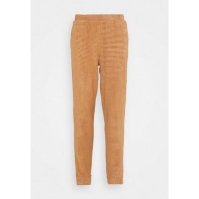 ヴェロモーダ カジュアルパンツ レディース ボトムス VMWAFFLE PANT  - Tracksuit bottoms - tawny brown