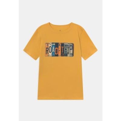 ギャップ キッズ ファッション JULY - Print T-shirt - starlight gold