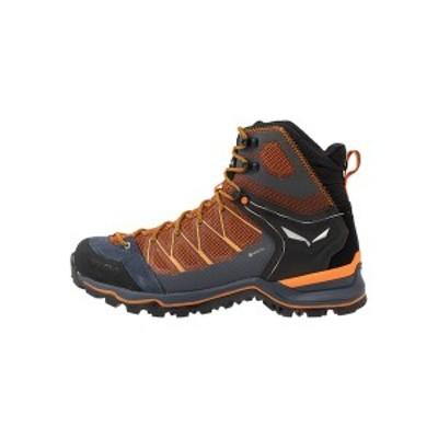 サレワ メンズ ハイキング スポーツ MTN TRAINER LITE MID GTX - Hiking shoes - black out/carrot black out/carrot