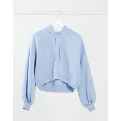 モンキ レディース パーカー・スウェット アウター Monki Tindra organic cotton cropped hoodie in blue