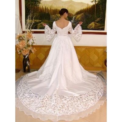 wdk035 人気ランキングウエディングドレス激安で販売 ゲストを魅了する素敵なカットレーストレーンウエディングドレス