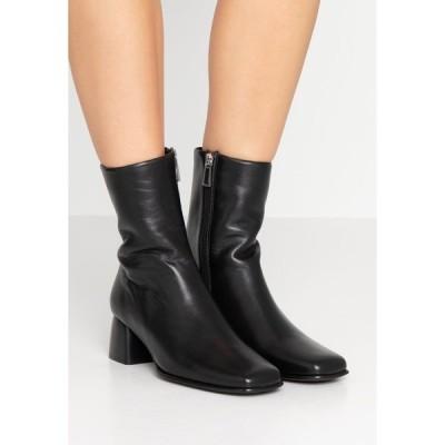 フィリッパコー ブーツ&レインブーツ レディース シューズ EILEEN BOOT - Classic ankle boots - black