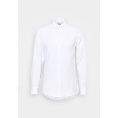タイガーオブスウェーデン メンズ ファッション ADLEY - Formal shirt - pure white